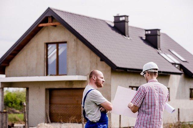 חברת בדק בית או מהנדס בניין?